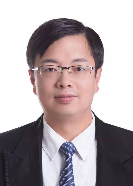 嘉宾 华中科技大学北京招生组负责人 顾馨江