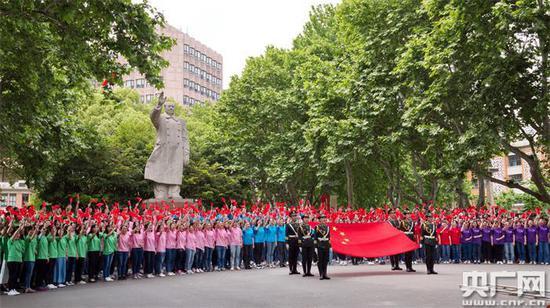 同濟大學師生400人大合唱(央廣網發 同濟大學 供圖)