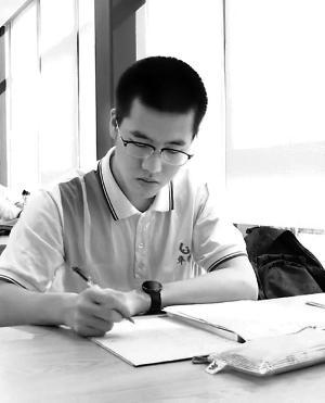 广东8名高分学霸4人报清华4人报北大多计划读研