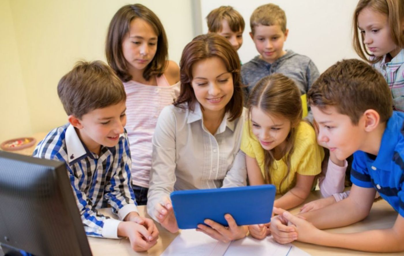 幼兒園教學使用動畫片場景,圖片來自圖蟲網