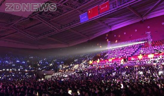 浙江大学新生开学典礼现场。 来源:浙江大学新闻网