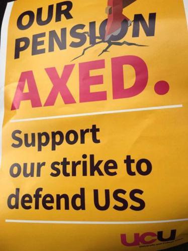 英国大学教师工会(UCU)发起罢工的海报。(英国《华闻周刊》资料图)