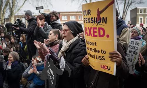 罢工现场。(英国《华闻周刊》资料图)