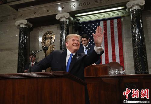 当地时间2018年1月30日,美国华盛顿,美国总统特朗普抵达国会,准备发表首次国情咨文。