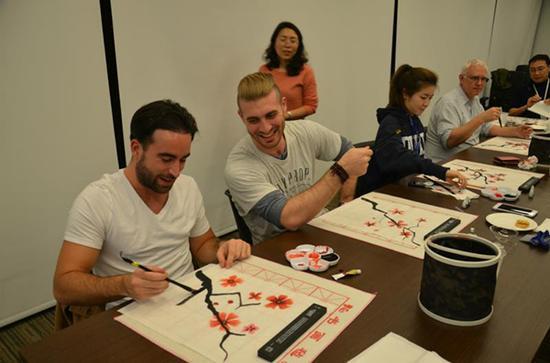 昆山杜克大学此前录取的研究生正在上课。 校方供图