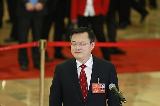 全国人大代表、厦门大学校长张荣。  澎湃新闻记者 赵昀 图