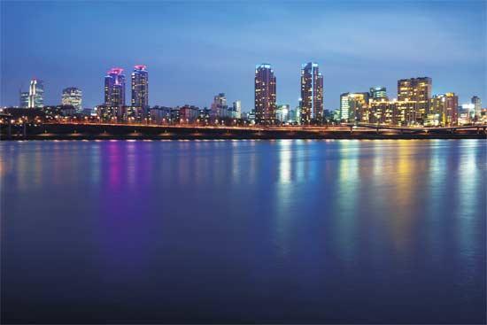 首尔夜景图片来源CFP