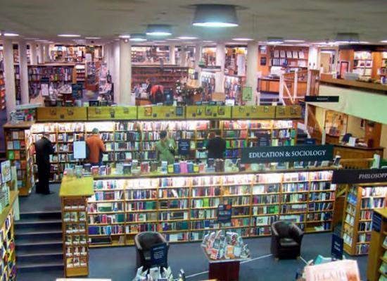 牛津的Blackwell's书店,一直不缺忠实粉丝