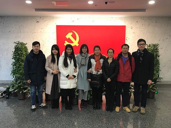 中国人民大学的学生把党支部建立到了法国