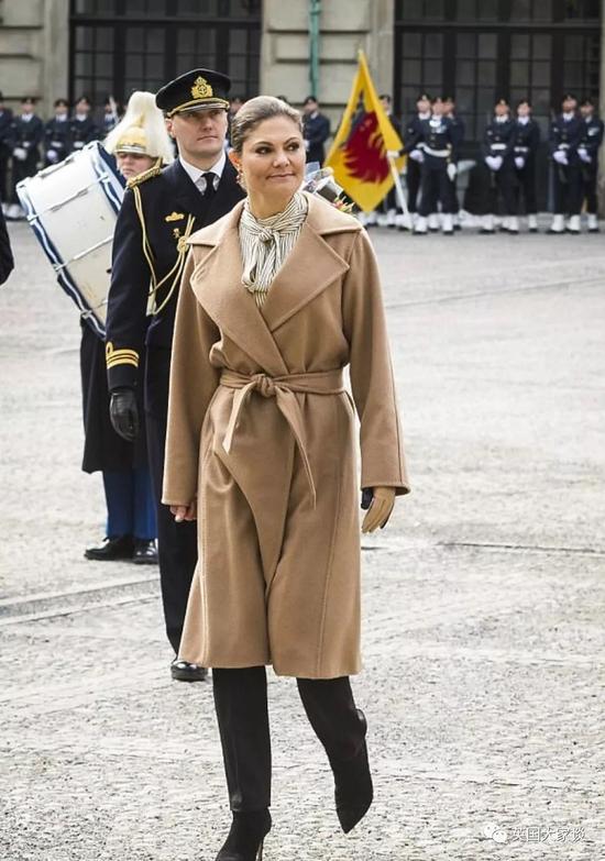 排在她之后的分别是瑞典王妃索菲亚(Princess Sofia of Sweden)