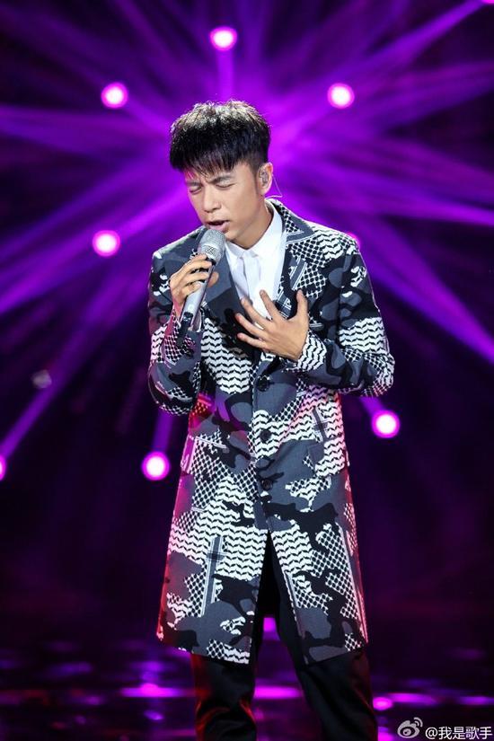 香港歌手李克勤:父亲应该重视孩子的意见