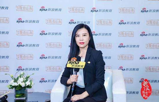 瑞鸿移民业务总监黄南