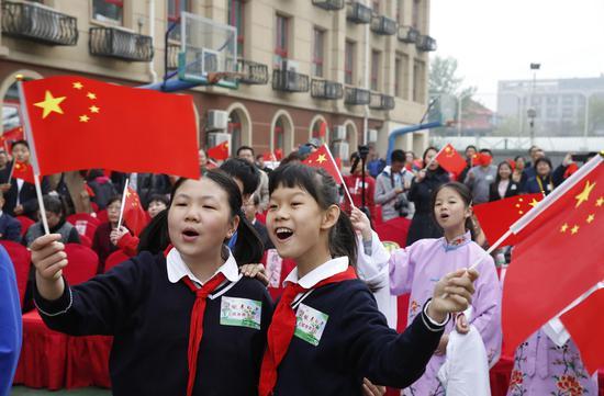 学生们在活动现场欢歌 北京市教委供图