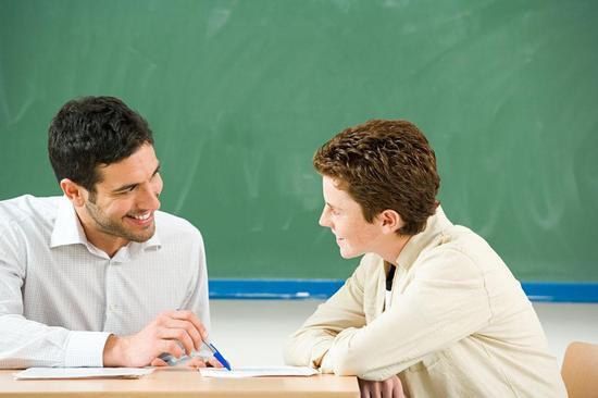为让学生掌握知识 你遇到过操碎了心的老师吗