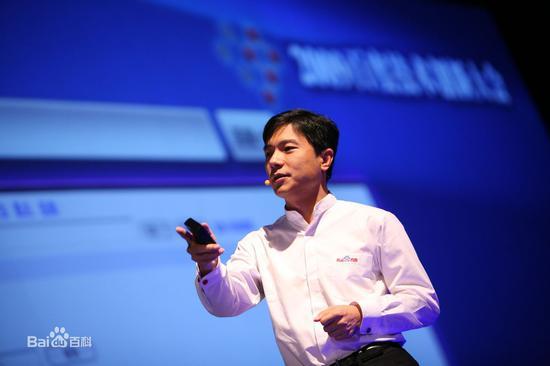 商学院关注:李彦宏成90后最崇拜的商界领袖