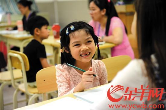 学前教育备受关注 记者汤铭明摄