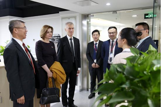 白俄罗斯教育部副部长到访金吉列 深化中白教育合作