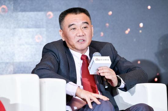 中国教育国际交流协会出国留学服务分会秘书长鄂学文
