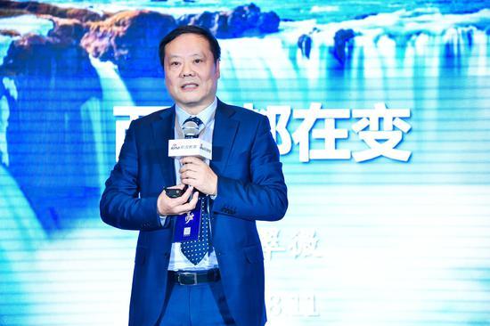 海亮教育集团党委书记、总校长,海亮教育管理集团总裁叶翠微