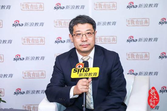 东方国际教育交流中心副主任 张靖