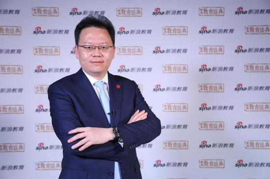 西安培华学院 理事长 姜波