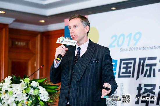 上海哈罗外籍人员子女学校校长 Mr.Charles Ellison