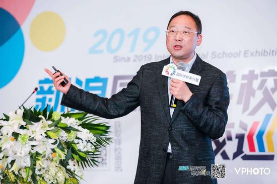 上海世外教育集团总裁徐俭