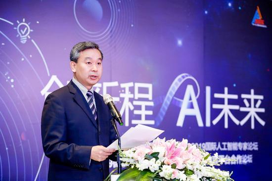 教育部国际合作与交流司副司长徐永吉