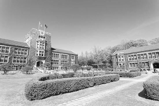 """""""天空大学""""之一的延世大学校园"""