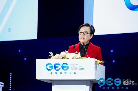 中国职业技术教育学会会长、教育部原副部长鲁昕