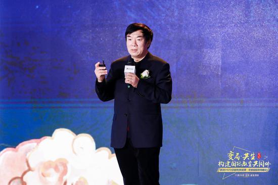 原北京四中校長、北京金融街潤澤學??傂iL劉長銘現場主題演講