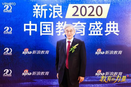 國家教育咨詢委員會秘書長張力參加新浪教育盛典