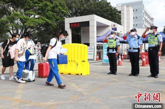 疫情下的特殊考场:20名广州考生佛山完成高考