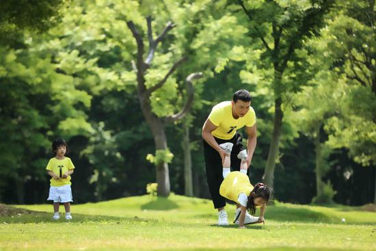 刘畊宏回复网友提问 鼓励家长与孩子多互动