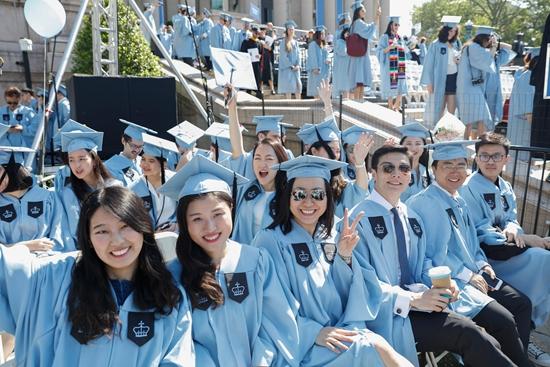 图为中国海外留学生。(图片来源:中新社资料图)