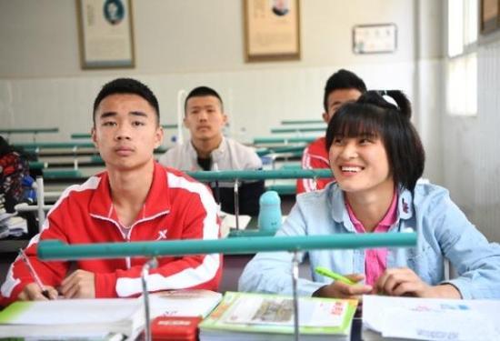 摔跤吧少年!这所农村中学的必赢亚洲登录堪比电影