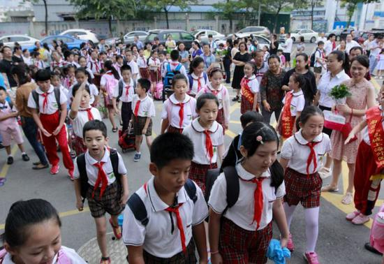 江西中小学招生新规:民办学校至少40%电脑随机派位录取