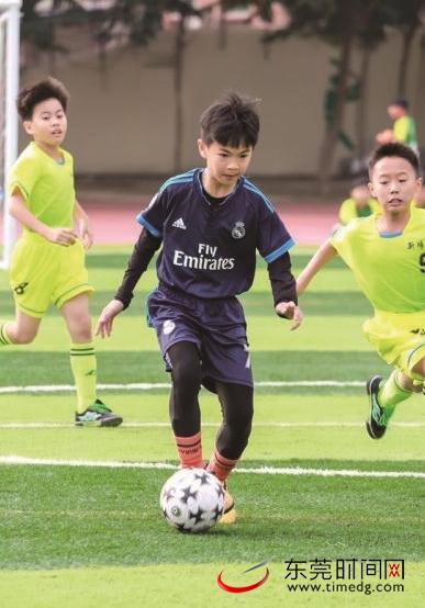 东莞两足球少年成世界杯护旗手 亮相7月2日赛场