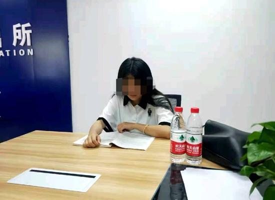 四川一考生涉嫌诈骗被网上追逃 警方让她先高考