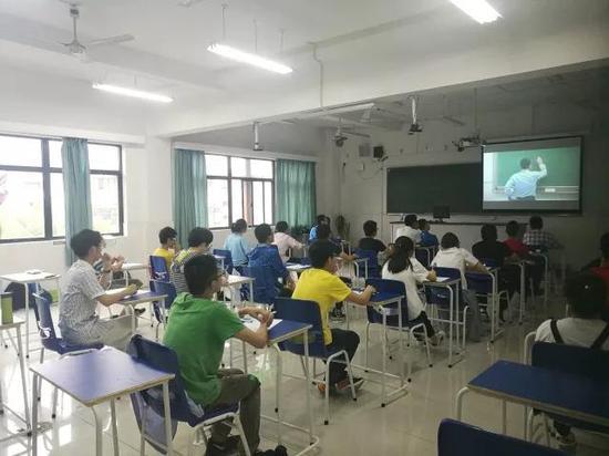 2017年浙江综合评价笔试考场
