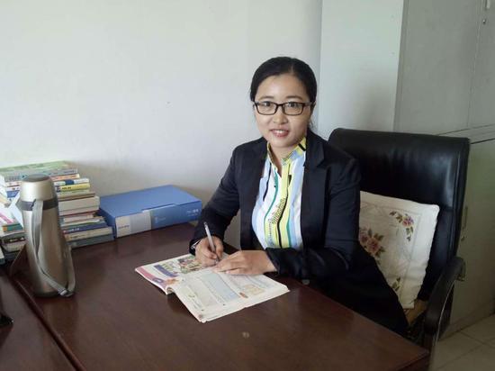 吉林省农安县烧锅镇初级中学班主任刘丽娜