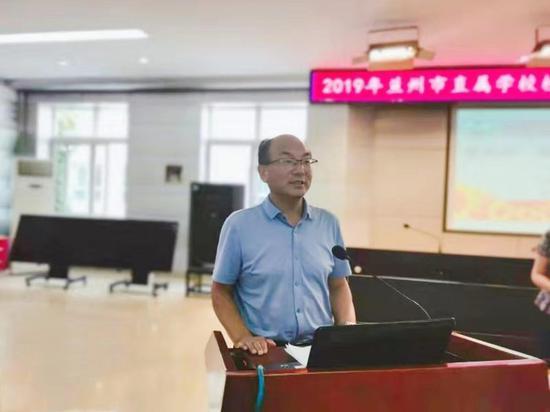 兰州外国语高级中学校长王延宁