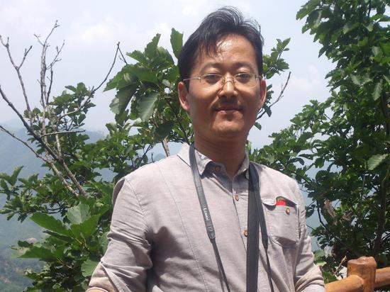 河南省孟津县双语尝试书院尤开国