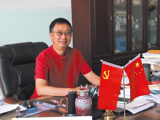 鹤壁市淇滨区福源中学校长王永福
