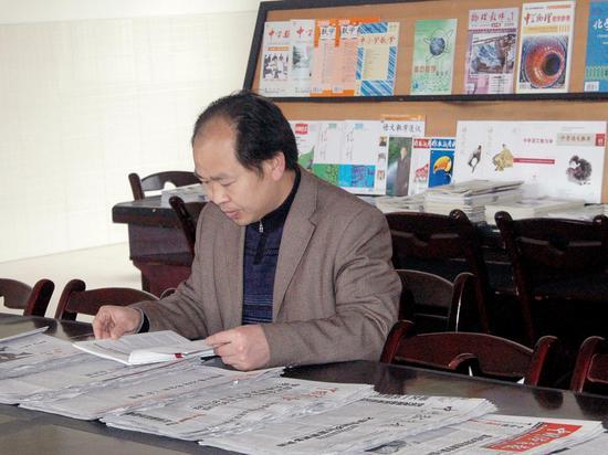 正能量校长:贵州黄平民族中学校长李小平