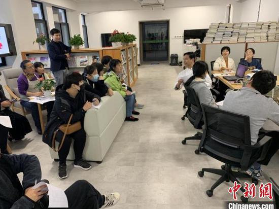 家政专业学员在上课。 资料图  赵文秀 摄