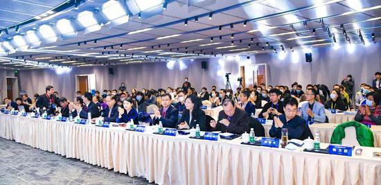 高瞻与新思   第二届人工智能与机器人教育大会成功召开