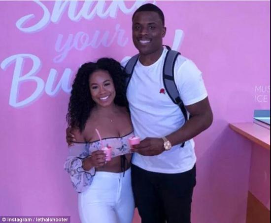克里斯和他的女朋友