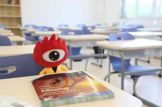 上海领科教育宽敞明亮的教室