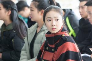 冬日里的风景 浙江艺考生清纯颜值爆表(图)